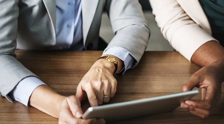 What do mergers & acquisitions lawyers do?