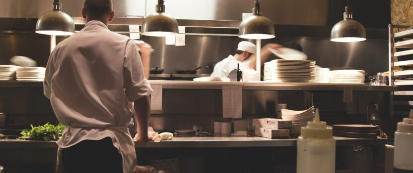 Can a foreigner open a restaurant in USA?